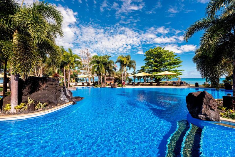 Sheraton Samoa Beach Resort's magical lagoon pool
